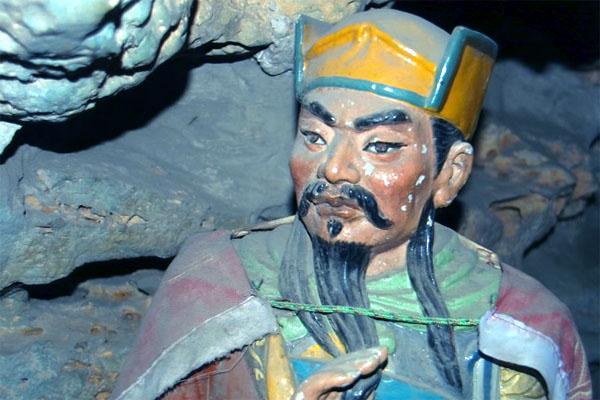китайские пещеры Хуашань