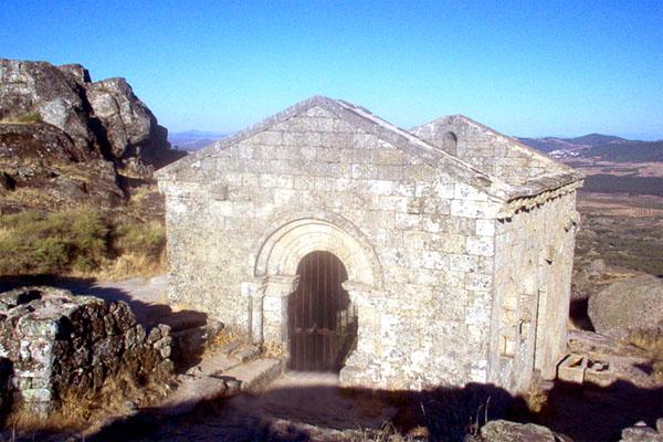 капелла Сан-Мигель в Монсанто