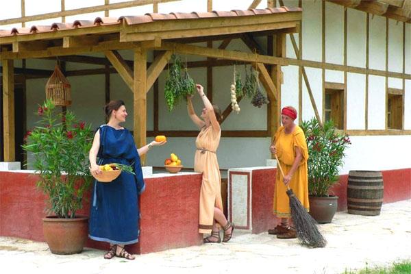 костюмированный праздник в Аквинкуме
