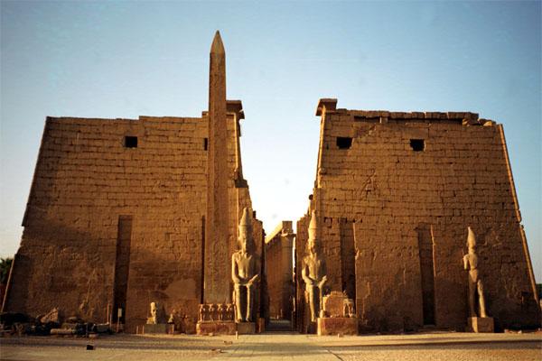Луксорский храм Древнего Египта