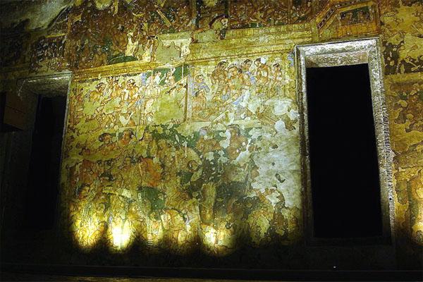 храмы Аджанты, пещера номер 2