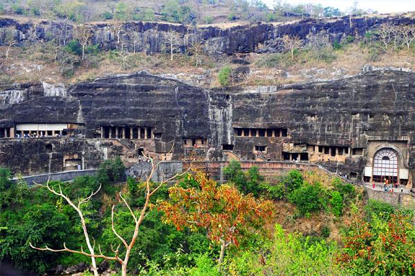 пещерные храмы Аджанты