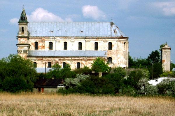 коллегиальный костёл Святой Троицы в Олыке